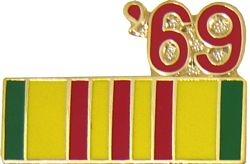 1969 Vietnam Ribbon Pin (7/8 inch)